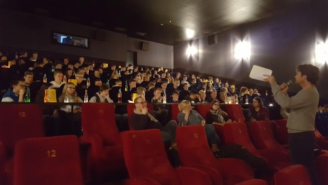 SchulKino im Cine Center Cloppenburg mit Referent Johannes Wilts (rechts)